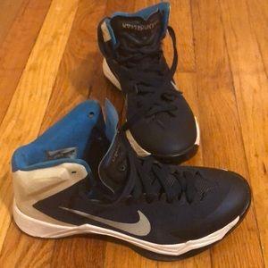 Nike hyerquickness sneaker